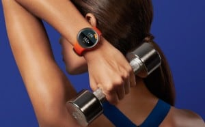 mot-moto360-sport-featurexp-heartrate-d